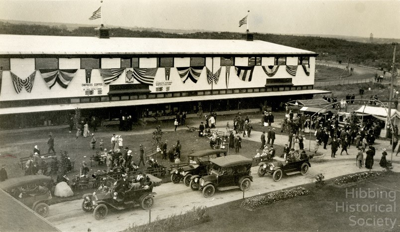 Saint Louis County Fairgrounds, Showing grandstands and racetrack
